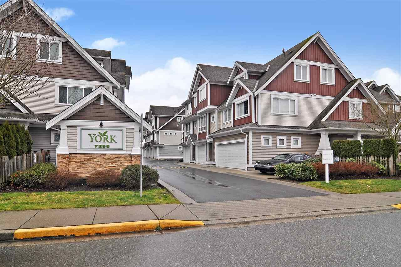"""Main Photo: 39 7298 199A Street in Langley: Willoughby Heights Townhouse for sale in """"York"""" : MLS®# R2542570"""