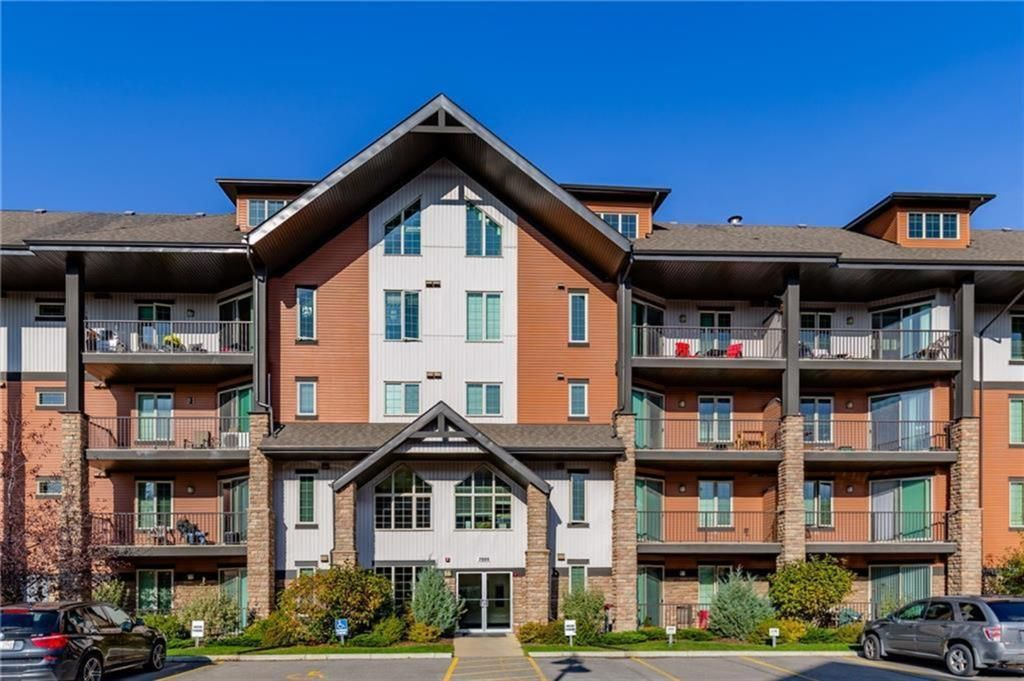 Main Photo: 2408 15 Sunset Square: Cochrane Apartment for sale : MLS®# A1123430