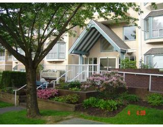 """Photo 1: 108 5568 BARKER Avenue in Burnaby: Central Park BS Condo for sale in """"PARK VISTA"""" (Burnaby South)  : MLS®# V651205"""