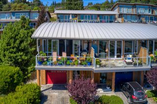 """Photo 4: 6500 WILDFLOWER Place in Sechelt: Sechelt District Townhouse for sale in """"WAKEFIELD BEACH - 2ND WAVE"""" (Sunshine Coast)  : MLS®# R2604222"""