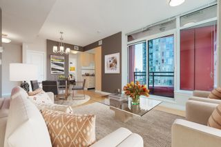 """Photo 2: 2601 1211 MELVILLE Street in Vancouver: Coal Harbour Condo for sale in """"THE RITZ"""" (Vancouver West)  : MLS®# R2625301"""