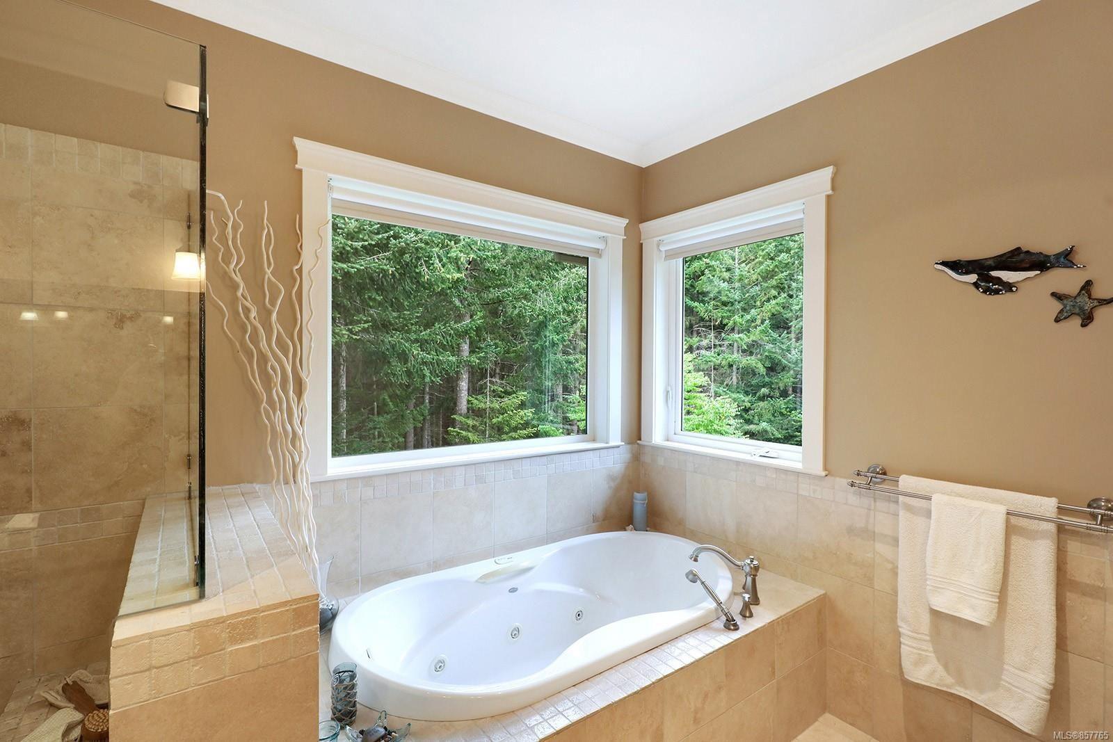Photo 30: Photos: 1516 Highridge Dr in : CV Comox (Town of) House for sale (Comox Valley)  : MLS®# 857765