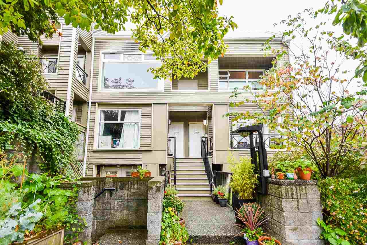 Main Photo: 2203 ALDER Street in Vancouver: Fairview VW Townhouse for sale (Vancouver West)  : MLS®# R2508720