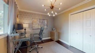 Photo 4: 144 QUESNELL Crescent in Edmonton: Zone 22 House for sale : MLS®# E4265039