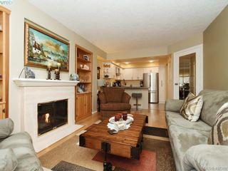 Photo 3: 206 510 Marsett Pl in VICTORIA: SW Royal Oak Row/Townhouse for sale (Saanich West)  : MLS®# 809516