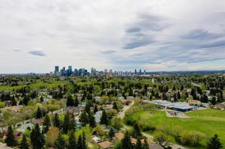 Photo 4: 37 Roseview Drive NW in Calgary: Rosemont Detached for sale : MLS®# A1141573