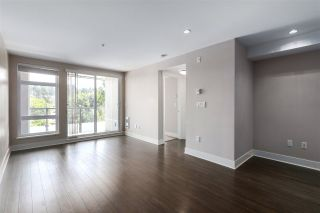 """Photo 5: 301 55 EIGHTH Avenue in New Westminster: GlenBrooke North Condo for sale in """"Eight West"""" : MLS®# R2377360"""