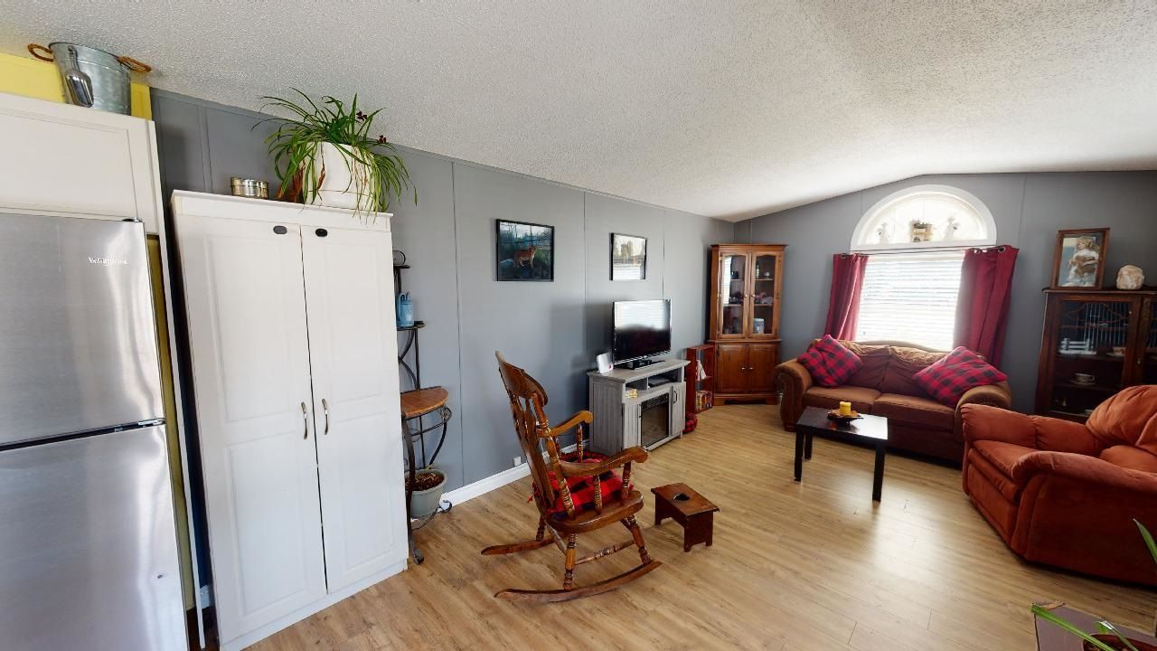 Photo 3: Photos: 10339 102 Street: Taylor Manufactured Home for sale (Fort St. John (Zone 60))  : MLS®# R2601750