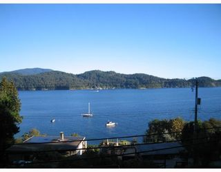 """Photo 2: 901 MARINE Drive in Gibsons: Gibsons & Area House for sale in """"GRANTHAMS LANDING"""" (Sunshine Coast)  : MLS®# V671595"""