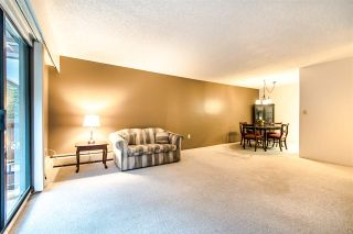 """Photo 4: 204 1360 MARTIN Street: White Rock Condo for sale in """"WEST WINDS"""" (South Surrey White Rock)  : MLS®# R2429363"""