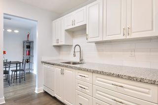 """Photo 4: 208 1740 SOUTHMERE Crescent in Surrey: Sunnyside Park Surrey Condo for sale in """"CAPSTAN WAY"""" (South Surrey White Rock)  : MLS®# R2234787"""