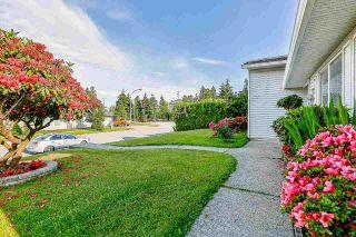 Photo 2: 9623 130 Street in Surrey: Cedar Hills House for sale (North Surrey)  : MLS®# R2176766