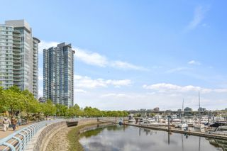 """Photo 27: 805 1077 MARINASIDE Crescent in Vancouver: Yaletown Condo for sale in """"MARINASIDE RESORT RESIDENCES"""" (Vancouver West)  : MLS®# R2582229"""