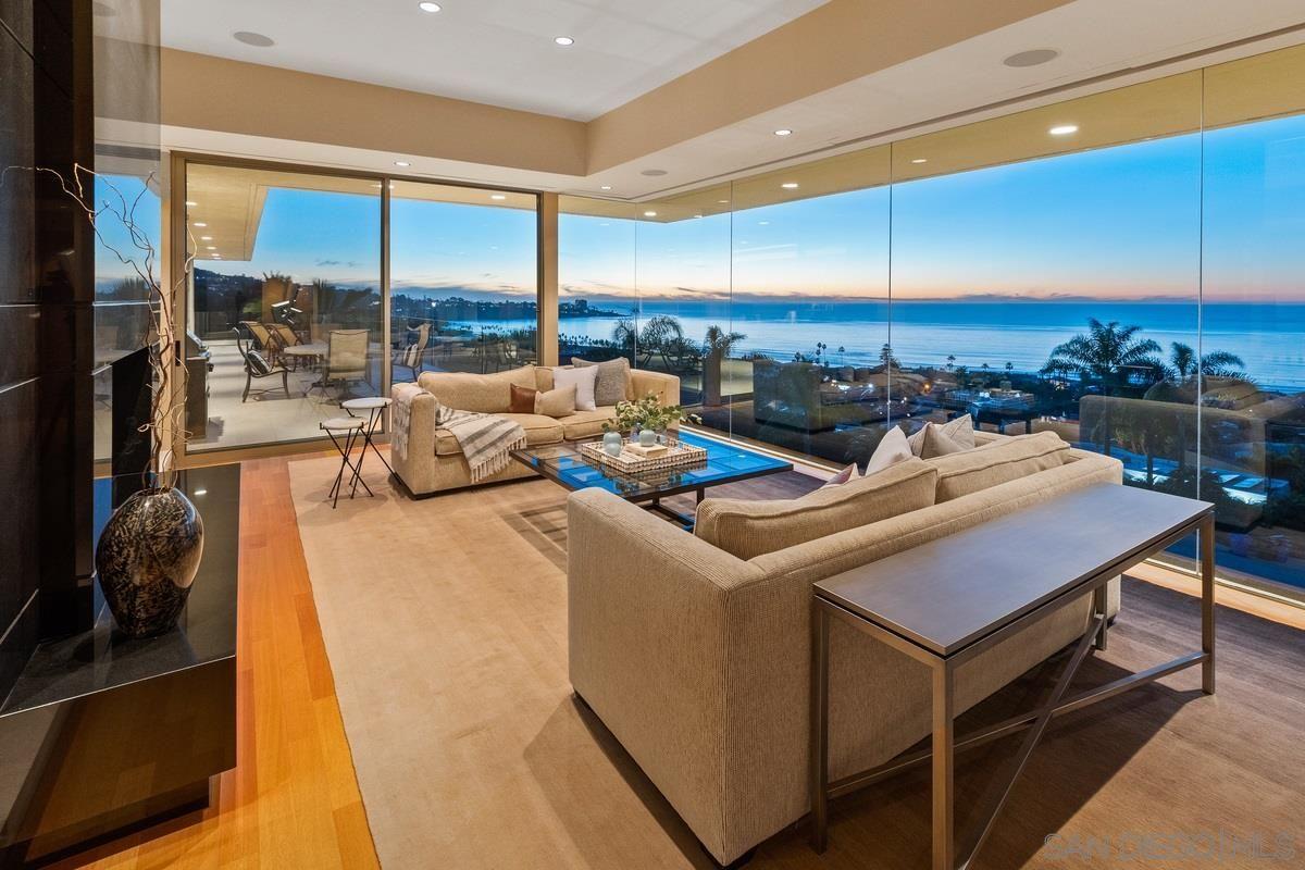 Main Photo: House for sale : 6 bedrooms : 2506 Ruette Nicole in La Jolla