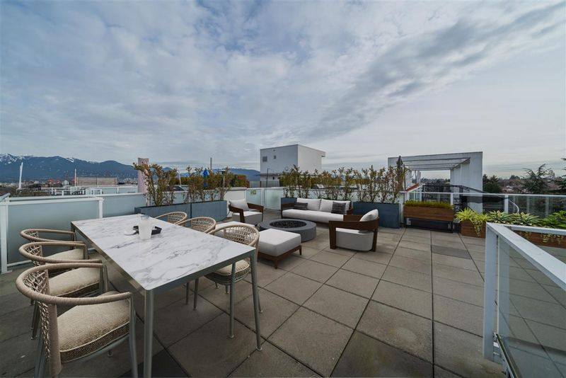 FEATURED LISTING: 611 - 311 6TH Avenue East Vancouver