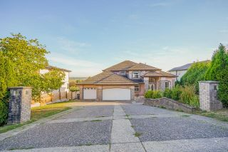 Main Photo: 16598 78 Avenue in Surrey: Fleetwood Tynehead House for sale : MLS®# R2615540