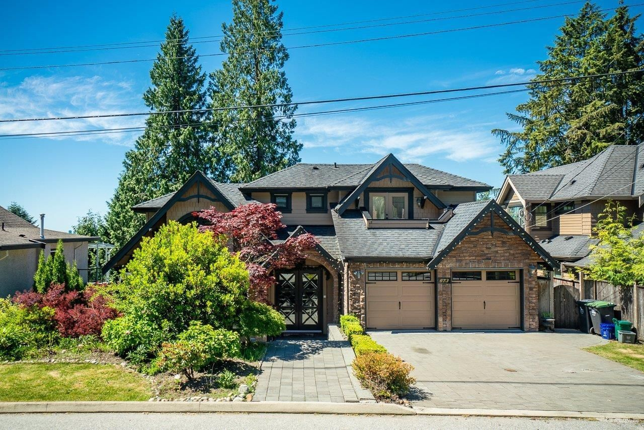 Main Photo: 673 SYLVAN Avenue in North Vancouver: Canyon Heights NV House for sale : MLS®# R2594723
