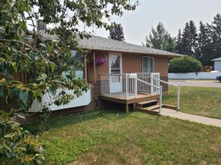 Photo 2: 6323 Bowview Road NW in Calgary: Bowness Detached for sale : MLS®# A1133070