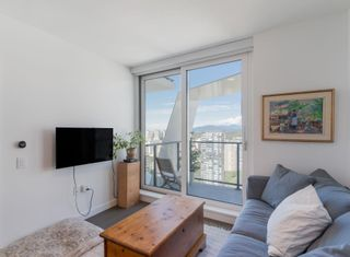 """Photo 2: 2305 620 CARDERO Street in Vancouver: Coal Harbour Condo for sale in """"CARDERO"""" (Vancouver West)  : MLS®# R2603652"""