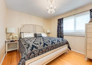 Photo 19: 425 Woodland Crescent SE in Calgary: Willow Park Detached for sale : MLS®# A1149903