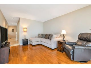 """Photo 10: 6139 W BOUNDARY Drive in Surrey: Panorama Ridge Townhouse for sale in """"LAKEWOOD GARDENS"""" : MLS®# R2452648"""