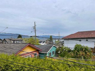 Photo 3: 2829 MCGILL Street in Vancouver: Hastings Sunrise House for sale (Vancouver East)  : MLS®# R2568632