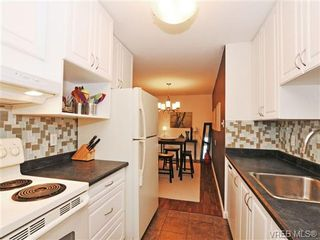 Photo 6: 205 1040 Rockland Ave in VICTORIA: Vi Downtown Condo for sale (Victoria)  : MLS®# 668312