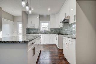 Photo 11: 10357 149 Street in Edmonton: Zone 21 House Half Duplex for sale : MLS®# E4246596