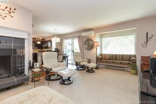 Photo 3: 1875 Forrester St in VICTORIA: SE Camosun House for sale (Saanich East)  : MLS®# 816223