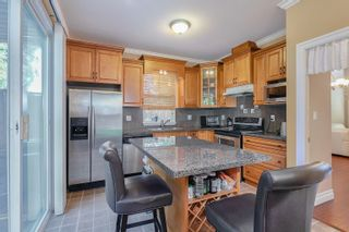 Photo 7: 1072 AUGUSTA Avenue in Burnaby: Simon Fraser Univer. 1/2 Duplex for sale (Burnaby North)  : MLS®# R2613430