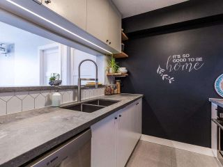 """Photo 2: 1102 5288 MELBOURNE Street in Vancouver: Collingwood VE Condo for sale in """"Emerald Park Place"""" (Vancouver East)  : MLS®# R2572705"""