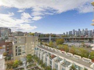 "Photo 6: 907 1833 CROWE Street in Vancouver: False Creek Condo for sale in ""The Foundry"" (Vancouver West)  : MLS®# R2212971"