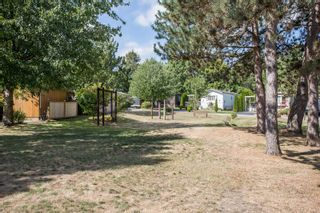 """Photo 23: 125 145 KING EDWARD Street in Coquitlam: Maillardville Manufactured Home for sale in """"MILL CREEK VILLAGE"""" : MLS®# R2493736"""