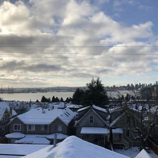 """Photo 5: 8 233 E 6TH Street in North Vancouver: Lower Lonsdale Townhouse for sale in """"ST. ANDREWS HOUSE"""" : MLS®# R2429678"""