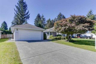 Photo 3: 15474 92A Avenue in Surrey: Fleetwood Tynehead House for sale : MLS®# R2490955