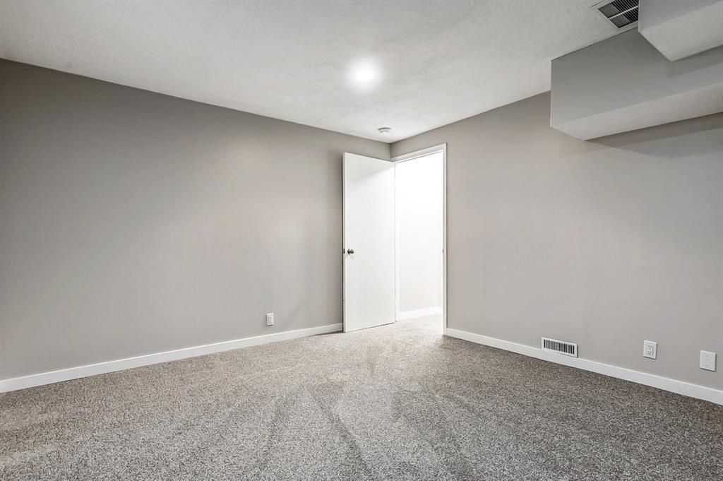 Photo 28: Photos: 2621C 1 Avenue NW in Calgary: West Hillhurst Row/Townhouse for sale : MLS®# A1111551