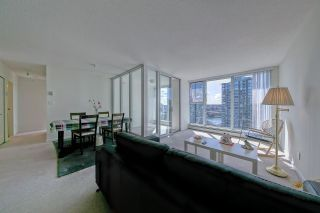 Photo 2: 1806 1009 EXPO Boulevard in Vancouver: Yaletown Condo for sale (Vancouver West)  : MLS®# R2591723