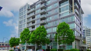 "Photo 19: 205 1887 CROWE Street in Vancouver: False Creek Condo for sale in ""Pinnacle Living False Creek"" (Vancouver West)  : MLS®# R2575761"