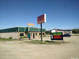 Photo 1: 500 Commercial Drive in Lanigan: Commercial for sale : MLS®# SK841690
