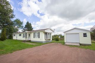 Photo 2: 19 Coronation Avenue: Sackville House for sale : MLS®# M107267