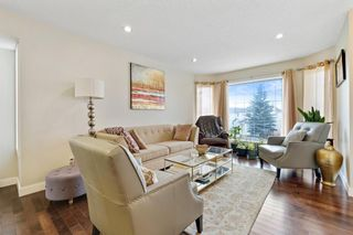 Photo 4: 32 Sierra Morena Way SW in Calgary: Signal Hill Semi Detached for sale : MLS®# A1091813