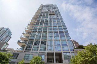"""Photo 1: 1504 1455 HOWE Street in Vancouver: Yaletown Condo for sale in """"POMARIA"""" (Vancouver West)  : MLS®# R2387626"""
