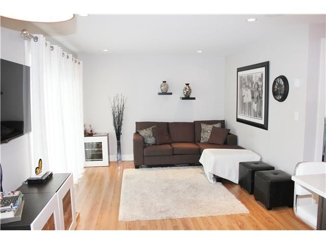 """Main Photo: 10 308 W 2ND Street in North Vancouver: Lower Lonsdale Condo for sale in """"Mohan Gardens"""" : MLS®# V1055350"""