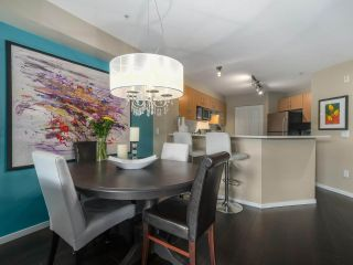 "Photo 8: 308 300 KLAHANIE Drive in Port Moody: Port Moody Centre Condo for sale in ""KLAHANIE - TIDES BLDG."" : MLS®# R2480822"