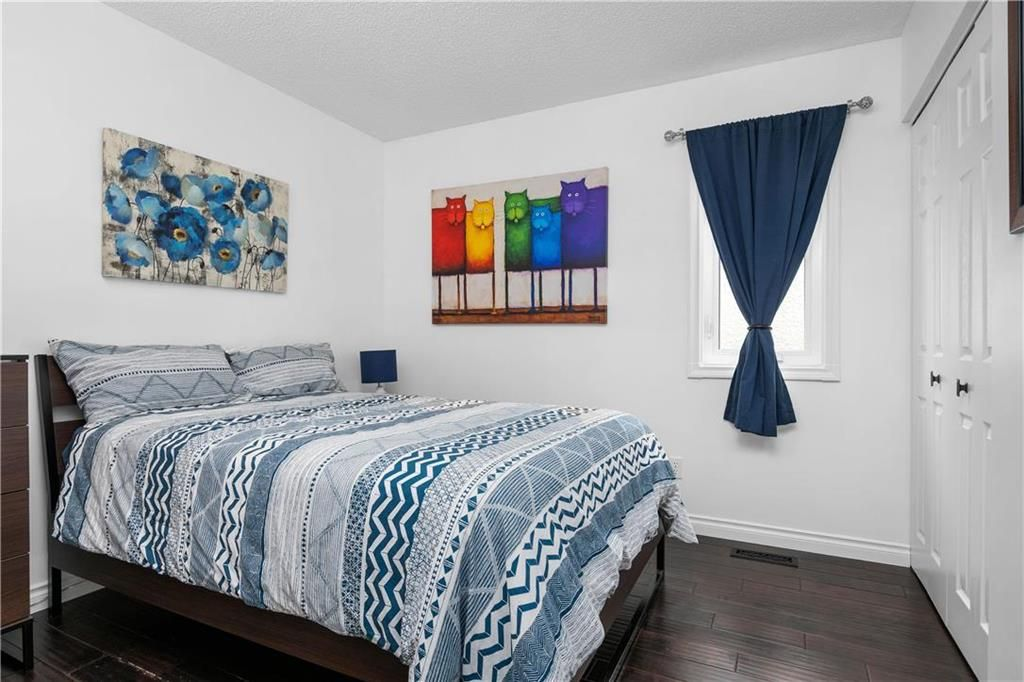 Photo 13: Photos: 1115 Waterford Avenue in Winnipeg: West Fort Garry Residential for sale (1Jw)  : MLS®# 202116113