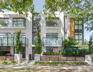 """Photo 2: 3171 QUEBEC Street in Vancouver: Mount Pleasant VE Townhouse for sale in """"Q16 - Quebec/16th"""" (Vancouver East)  : MLS®# R2401940"""