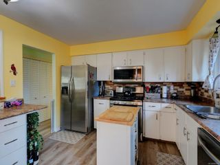 Photo 7: 2932 Deborah Pl in : Co Colwood Lake House for sale (Colwood)  : MLS®# 884280