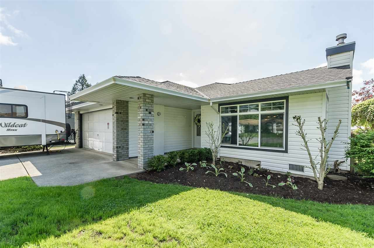 Main Photo: 33432 BALSAM Avenue in Mission: Mission BC House for sale : MLS®# R2328781