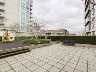 Photo 5: 701 1068 W BROADWAY in Vancouver: Fairview VW Condo for sale (Vancouver West)  : MLS®# R2231061