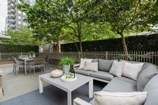 """Photo 4: 606 1055 RICHARDS Street in Vancouver: Downtown VW Condo for sale in """"The Donovan"""" (Vancouver West)  : MLS®# R2617881"""